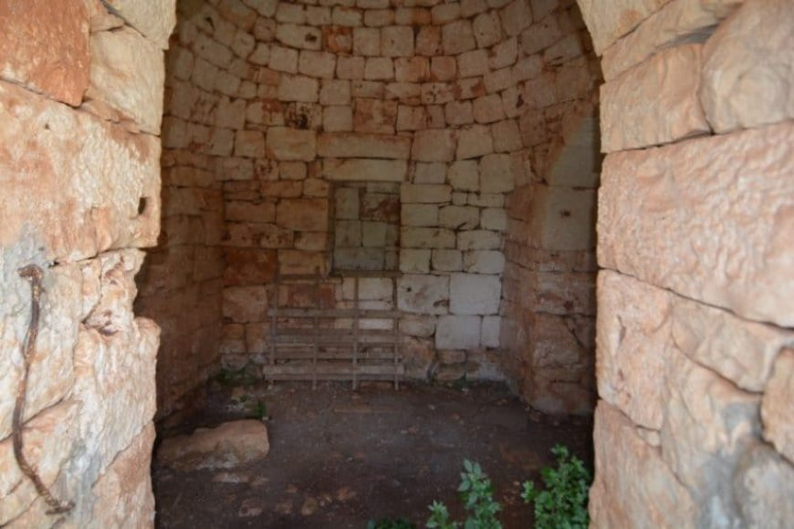 Vendita Trulli e lamie rustici – Contrada Madonna della Grotta, Valle D'Itria, Ceglie Messapica (Brindisi)
