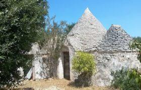 Vendita Trulli e lamie rustici – Contrada Cinera, Valle D'Itria, Alto Salento, Ostuni (Brindisi)
