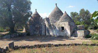 Vendita Trulli e lamie rustici – Contrada Frutto, Ceglie Messapica (Brindisi)