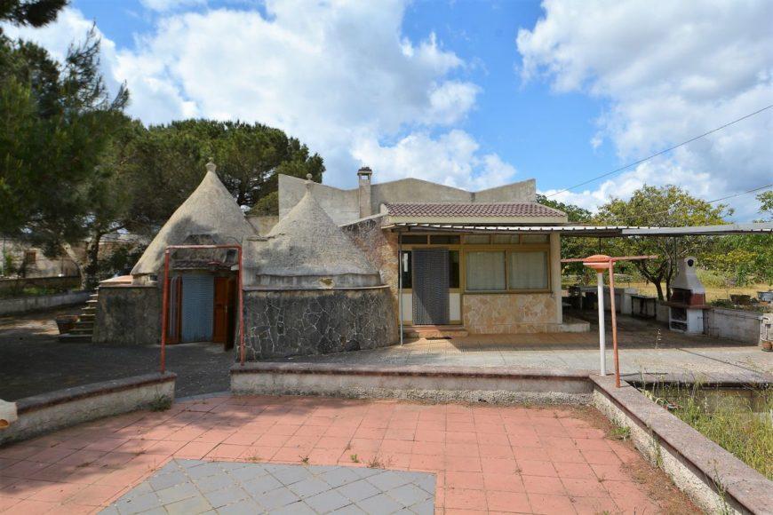 Vendita Trulli abitabili – Contrada San Domenico, Valle D'Itria -Alto Salento, Martina Franca (Taranto)