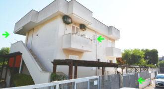 Vendita appartamento – Via Carapelle (Trav. di via Appia Antica), Torre Canne (Brindisi)