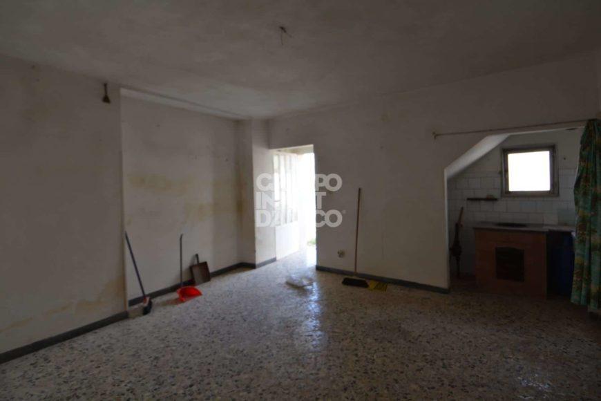Vendita Casolari e lamie – Contrada Lamacesare, Cisternino (Brindisi)