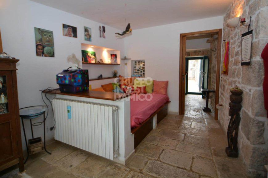 Vendita Trulli abitabili – Contrada Bosco Selva, Alberobello (Bari)