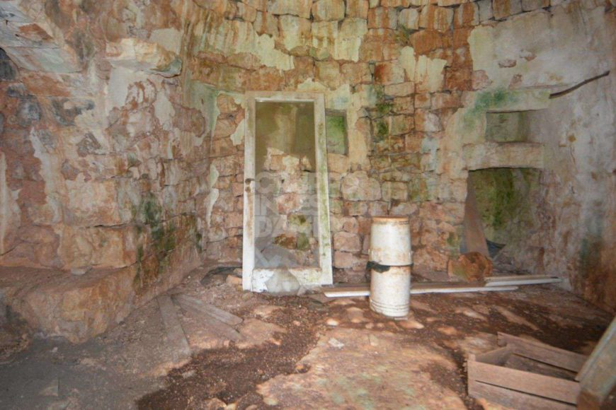 Vendita trulli e lamie rustici – Contrada Cinera, Ostuni (Brindisi)