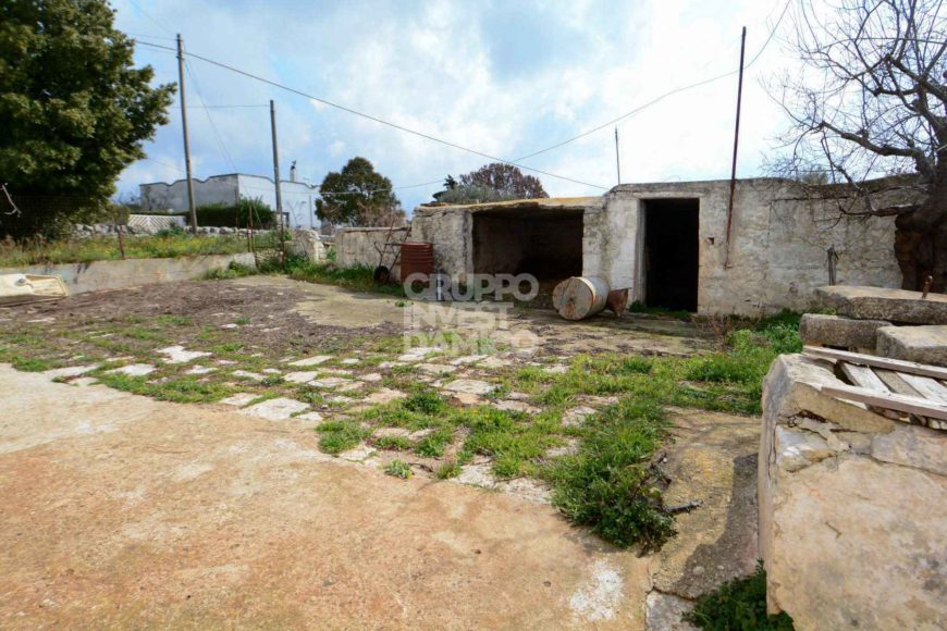 Vendita casolari e lamie – Contrada Restano, Cisternino (Brindisi)