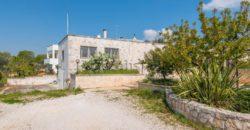 Vendita casolari e lamie – Via Martina Franca, Cisternino (Brindisi)