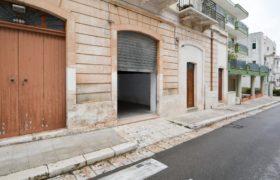 Affitto garage/box auto – Via Dante, Cisternino (Brindisi)