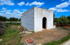 Vendita trulli e lamie rustici – Contrada Montanaro, Cisternino (Brindisi)