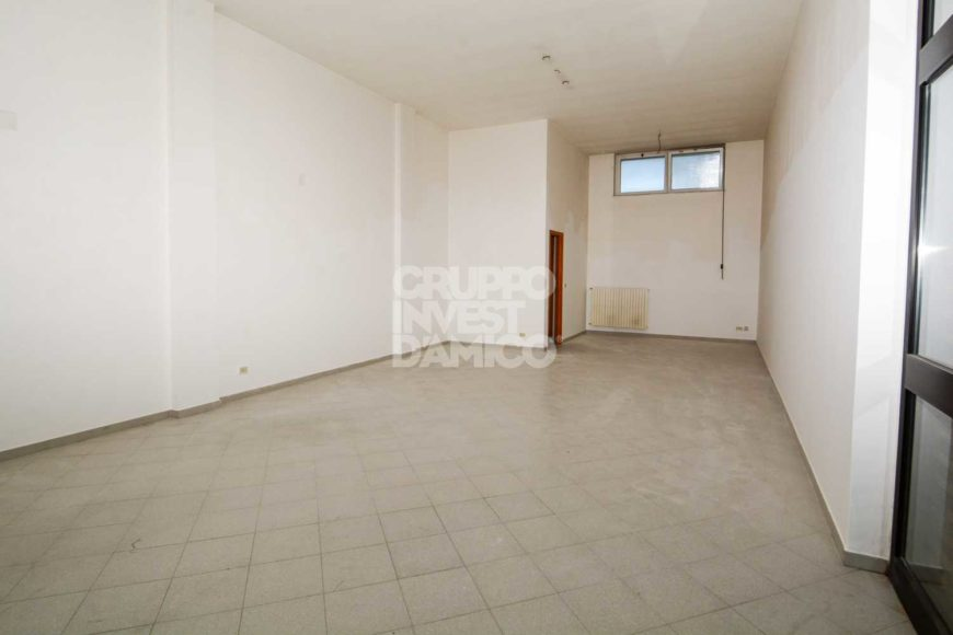 Affitto locale commerciale – Via Maria D'Enghien, Martina Franca (Taranto)