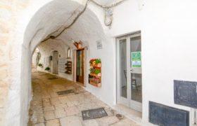Vendita locale commerciale – Via Duca D'Aosta, Cisternino (Brindisi)