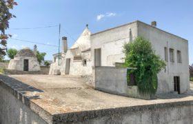 Vendita trulli e lamie rustici – Via Villa Castelli, Martina Franca (Taranto)
