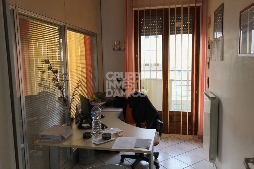 Affitto locale commerciale – Via Sant' Annibale M. di Francia, Locorotondo (Bari)