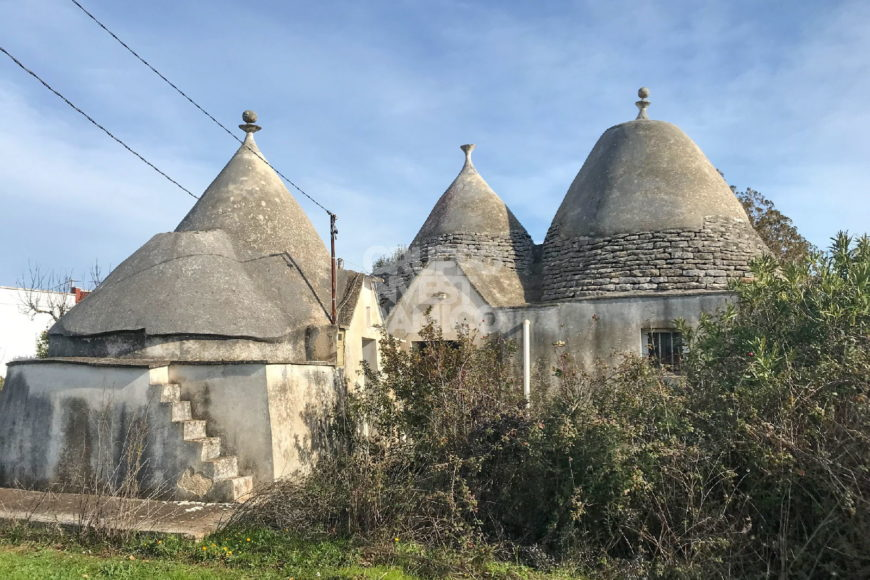 Vendita trulli rustici – C.da Tre Tornesi/Via Ostuni, Martina Franca (Taranto)