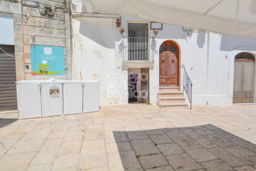 Vendita locali – Via G. de Amico/Piazza Pellegrino Rossi, Cisternino (Brindisi)