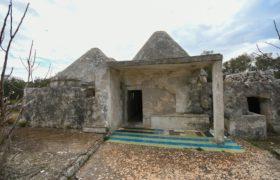 Vendita trulli e lamie rustici – Contrada Lamatroccola, Ostuni (Brindisi)