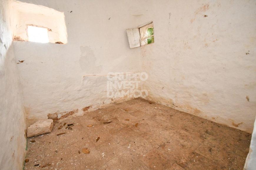 Vendita trulli e lamie rustici – Contrada Montesasso, Ostuni (Brindisi)