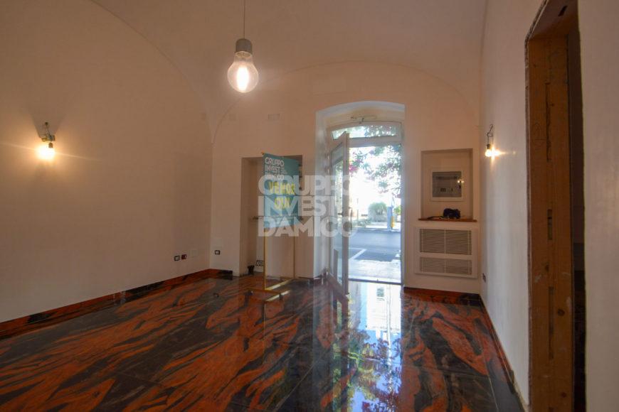 Vendita locale – Piazza Marconi, Locorotondo (Bari)