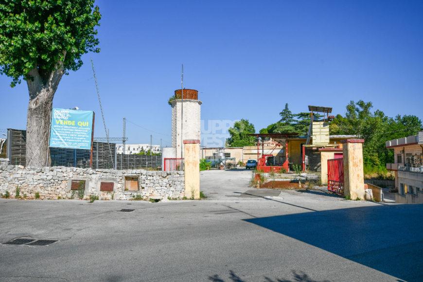 Vendita stabilimento commerciale – Via Martiri della Libertà, Locorotondo (Bari)