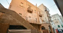 Vendita palazzotto centro storico – Piazza G. Marconi, Locorotondo (Bari)