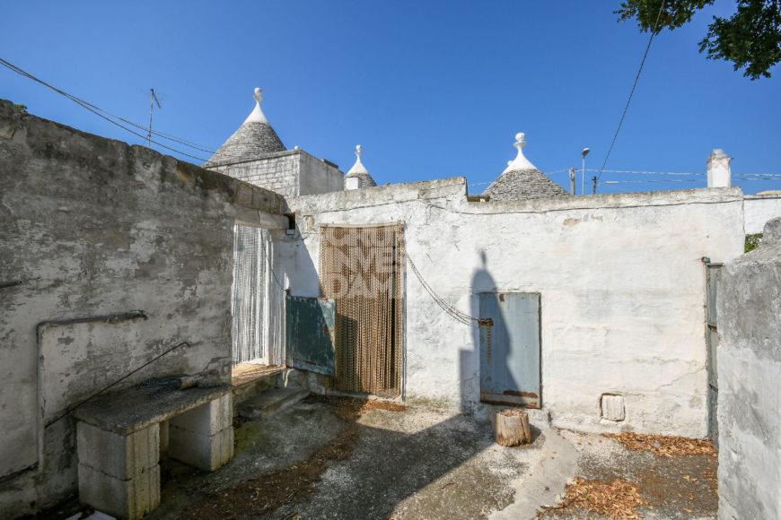 Vendita trulli abitabili – Contrada Montetessa, Locorotondo (Bari)