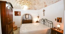 Vendita villa – trulli abitabili – Località Laureto, Fasano (Brindisi)