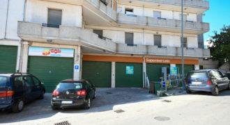 Vendita attività commerciale – Via Nazario Sauro, Cisternino (Brindisi)