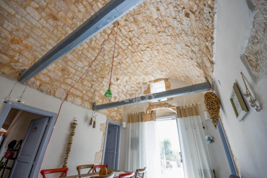 Vendita casolari e lamie – Contrada Cicerali, Ostuni (Brindisi)