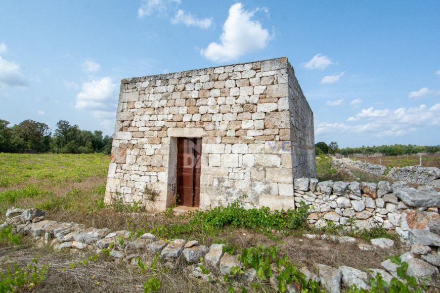 Vendita trulli e lamie rustici – Contrada Montedoro, Ceglie Messapica (Brindisi)