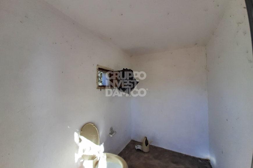 Vendita Casolari e lamie – Contrada Montecalvo, Ceglie Messapica (Brindisi)
