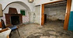 Vendita casolari e lamie – Contrada Colapriore, Cisternino (Brindisi)