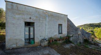 Vendita villa/trulli rustici – Contrada Don Peppe Sole, Cisternino (Brindisi)
