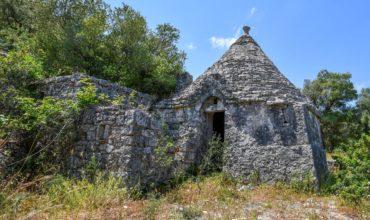 Vendita trulli e lamie rustici – Contrada Gravinella, Fasano (Brindisi)
