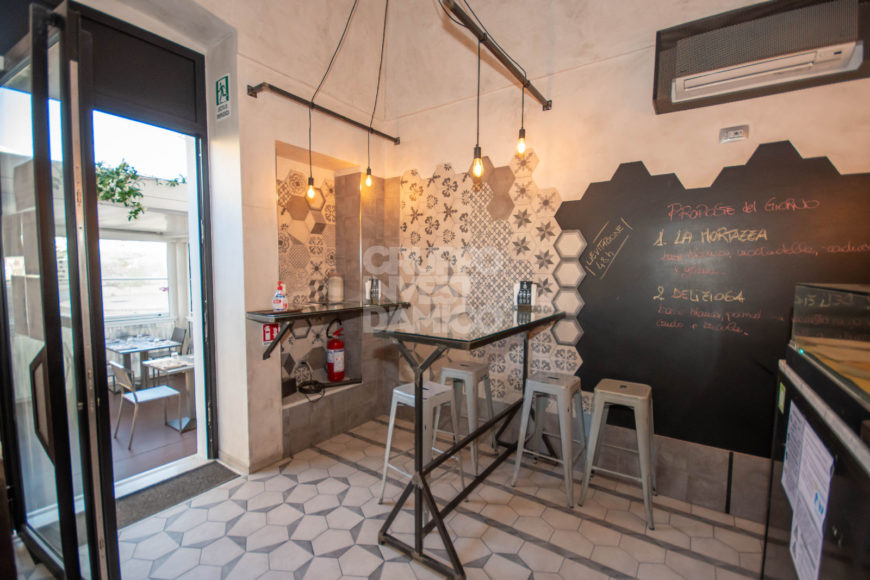 Vendita attività commerciale – Via XXIV Maggio, Cisternino (Brindisi)
