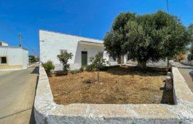 Vendita casolari e lamie – Via Rinascimento, Montalbano di Fasano (Brindisi)