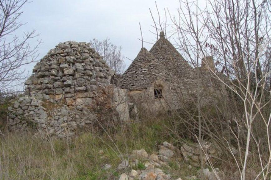 Vendita Trulli e lamie rustici – Contrada Cervillo, Valle D'Itria – Alto Salento, Ostuni (Brindisi)
